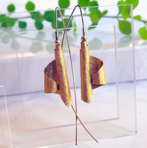 Long asymmetrical earrings - Gold