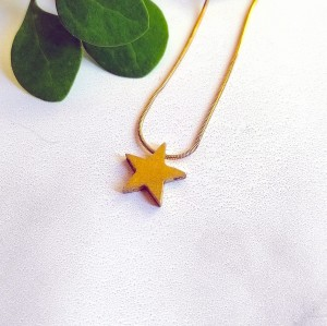 Gold necklace - star